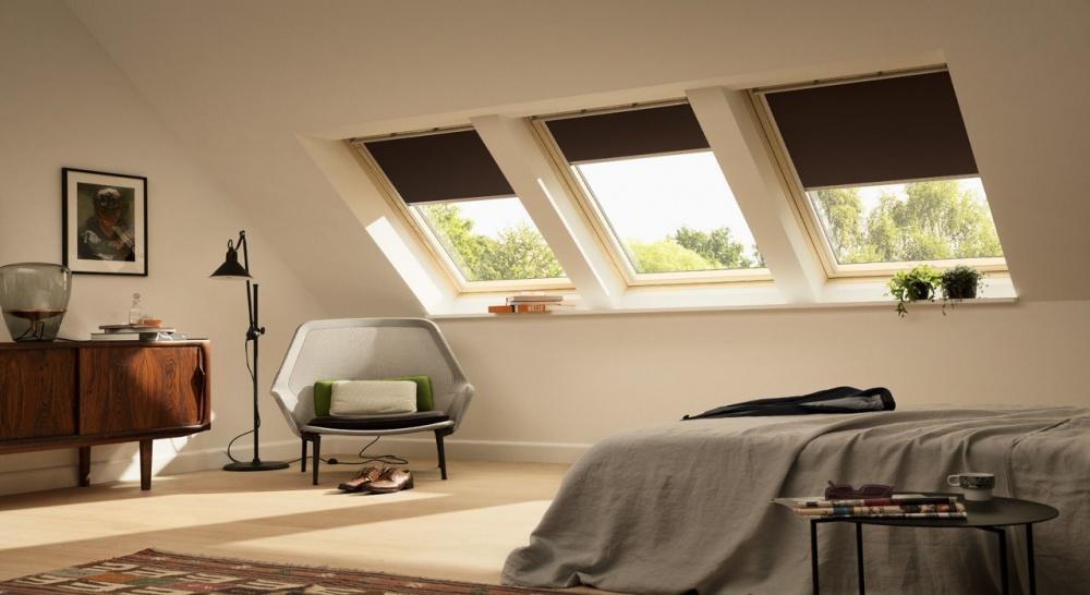Окна для мансарды: в чем их особенности и преимущества?