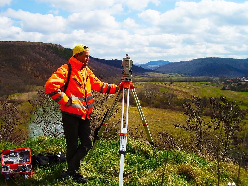 Услуги геодезиста и сколько они стоят